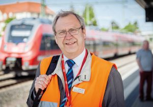 Aus dem Leben eines Streckenmanagers: Reinhardt Elbertzhagen kennt seine Strecken wie andere Menschen ihre Modelleisenbahn.