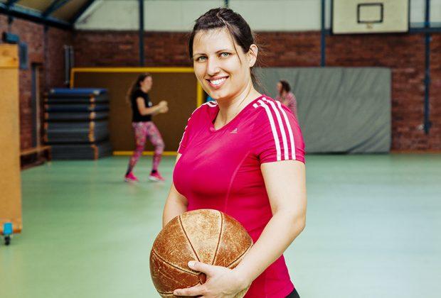 Franziska Straube, Marketingleiterin bei der Städtebahn Sachsen während ihrem wöchentlichen Work-out