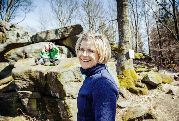 Sabine Schröder, Eventmanagerin beim VVO auf der heimatlichen Wanderstrecke mit Familie